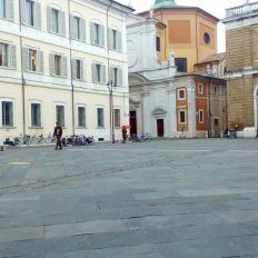 Ravenna-Piazza del Popolo- Performance36- Onico Giannetta