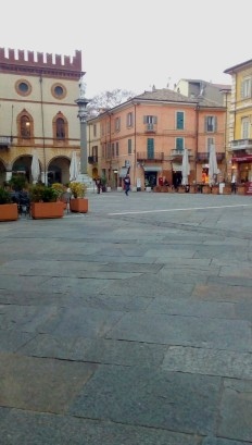 Ravenna-Piazza del Popolo- Performance31- Onico Giannetta