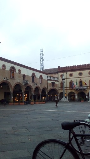Ravenna-Piazza del Popolo- Performance21- Onico Giannetta
